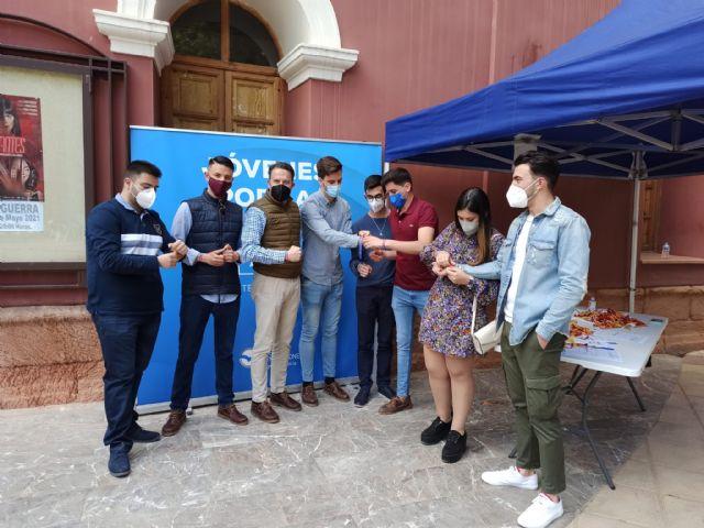 Gran acogida social en Lorca a la campaña emprendidas por Nuevas Generaciones bajo el lema Jóvenes por la libertad - 3, Foto 3