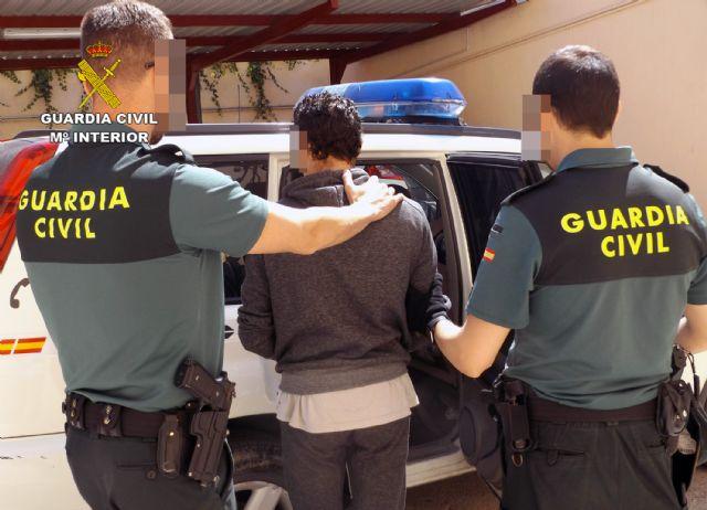 La Guardia Civil recupera cien metros de cable de cobre de la estación de tren de Cieza - 5, Foto 5