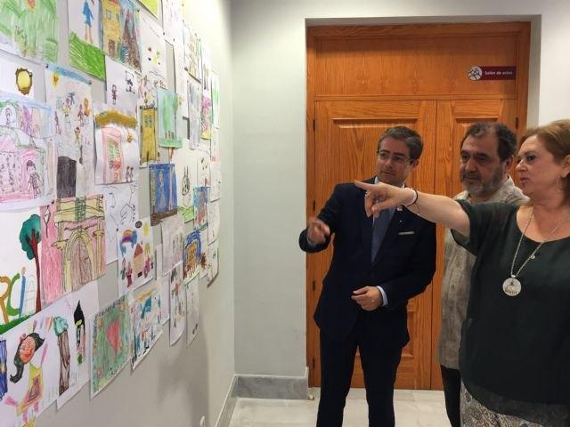Comunidad y Ayuntamiento de Murcia entregan las obras de Ángel Haro a los ganadores de ´La noche y el día de los museos´ - 2, Foto 2