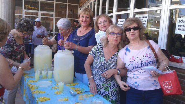 Comienzan las fiestas del Centro Municipal de Personas Mayores de la plaza Balsa Vieja, Foto 9