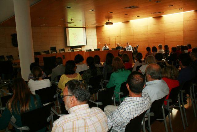 El Ayuntamiento inicia la implantaci�n de la Administraci�n Electr�nica, Foto 3