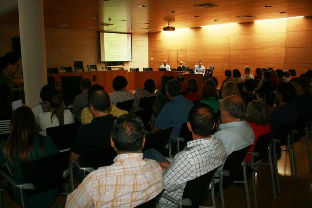 El Ayuntamiento inicia la implantaci�n de la Administraci�n Electr�nica, Foto 5