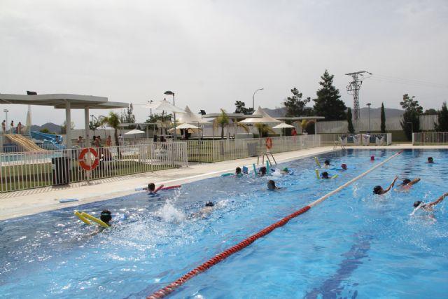 La Concejalía de Actividad Física y Deportes lanza una programación de cursos de natación para este verano - 1, Foto 1