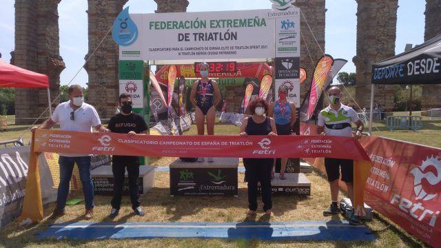 Laura Durán ganan el XI Triatlón Ciudad de Mérida, primer clasificatorio para el Campeonato de España Sprint - 2, Foto 2