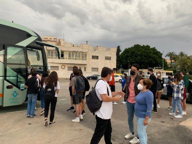 Las concejalías de Educación y Juventud ayudan a los estudiantes EBAU ante el abandono del Gobierno Regional - 1, Foto 1