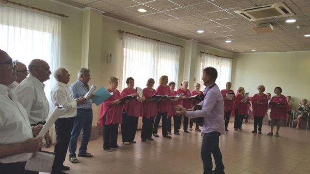 Los Talleres del Coro y Bailes de Salón de los Hogares de Pensionista, despiden curso - 3, Foto 3