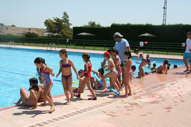 Abren sus puertas las piscinas p�blicas del Polideportivo Municipal 6 de Diciembre y el Complejo Deportivo Valle del Guadalent�n, dando comienzo a la nueva temporada de verano, Foto 2