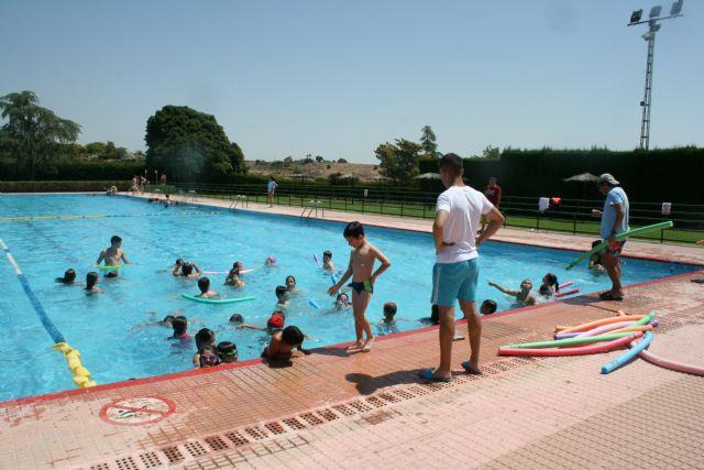 Abren sus puertas las piscinas p�blicas del Polideportivo Municipal 6 de Diciembre y el Complejo Deportivo Valle del Guadalent�n, dando comienzo a la nueva temporada de verano, Foto 4