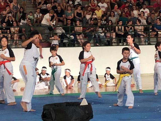 El Club Taekwondo Totana clausura temporada con una exhibici�n de sus m�s de 80 alumnos en el Pabell�n de Deportes Manolo Ib�ñez, Foto 7