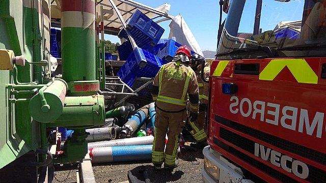 Accidente de tráfico con 3 camiones implicados en Cieza - 2, Foto 2