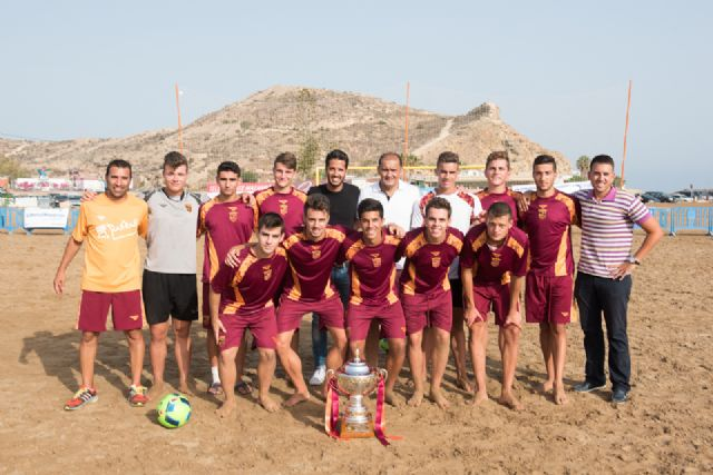 Comienza en la Isla el primer campus de fútbol playa de la región, Foto 2