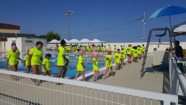Un total de 560 personas han participado en los cursos de natación en las piscinas municipales - 2, Foto 2