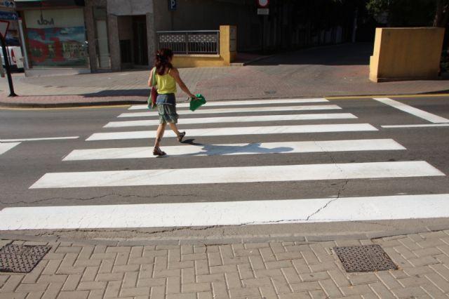 Repintado de marcas viales en varias calles del municipio, Foto 2