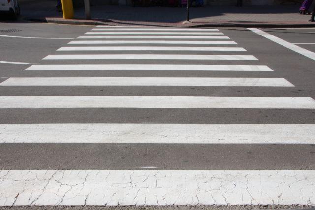 Repintado de marcas viales en varias calles del municipio, Foto 4
