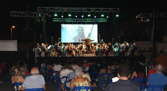 La banda Unión Musical de San Pedro ofrece un concierto con música de película y proyecciones - 1, Foto 1