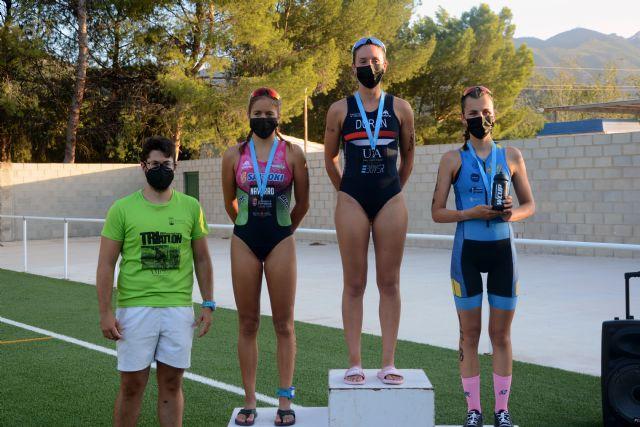 Laura Durán y Bienvenido Ballester se coronan como Campeones Regionales de Triatlón en Blanca - 2, Foto 2