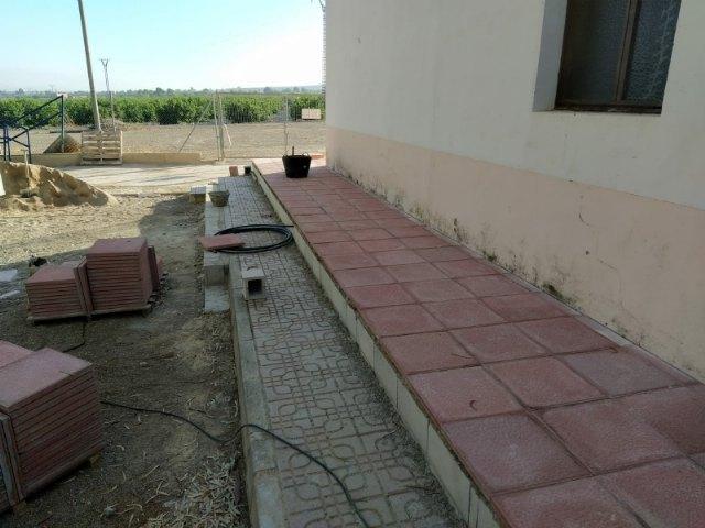 A punto de finalizar las obras para acondicionar la nueva zona recreativa y de barbacoas en La Costera - 2, Foto 2