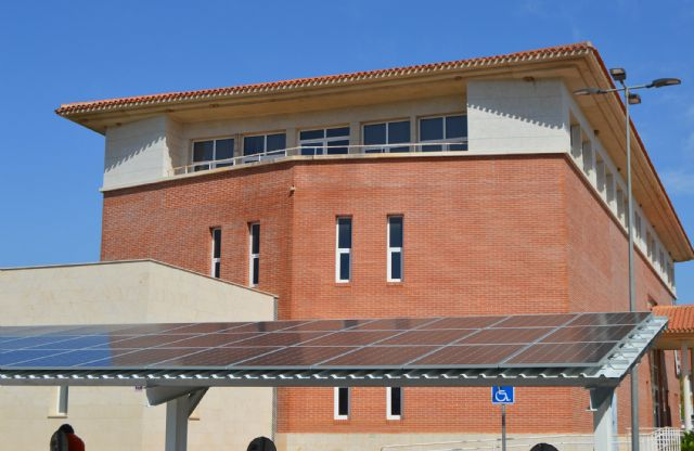 Comienza la instalación del sistema fotovoltaico de la Casa de la Cultura Pedro Serna - 1, Foto 1