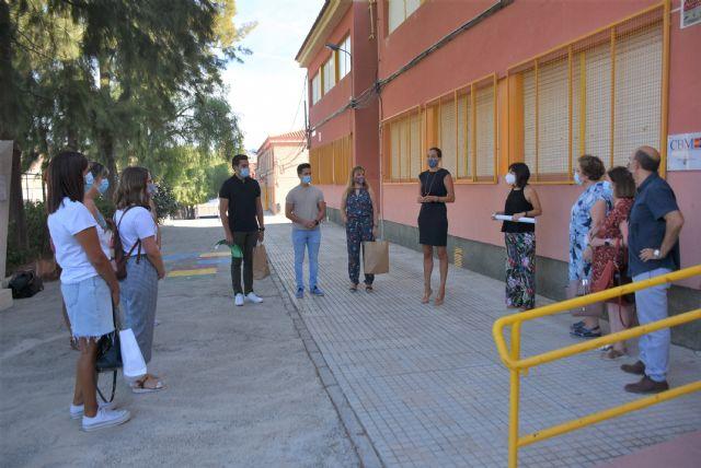 Entrega de material de protección contra el coronavirus al colegio Alcolea Lacal de Archena - 1, Foto 1