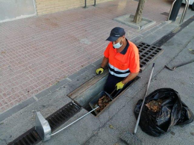 Limpieza de imbornales, canalizaciones y rejas de la red de drenaje del casco urbano - 1, Foto 1
