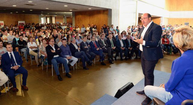 Pedro Antonio Sánchez: 500 jóvenes agricultores toman hoy el relevo en el sector agrario de la Región, Foto 1