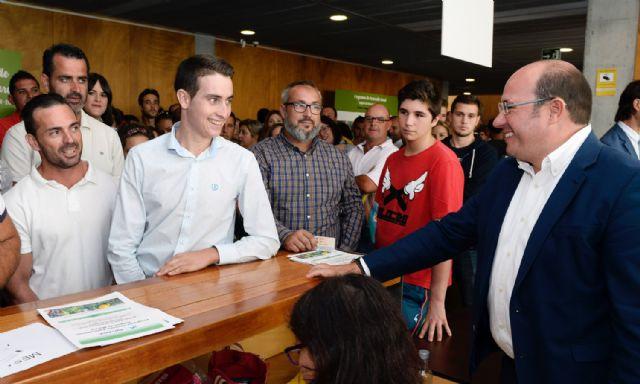 Pedro Antonio Sánchez: 500 jóvenes agricultores toman hoy el relevo en el sector agrario de la Región, Foto 3