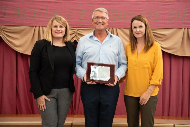 Antonio Ballesta es nombrado Mayor del Año en el X aniversario del Centro de Día, Foto 1