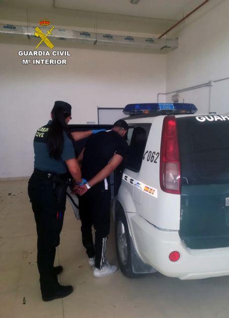 La Guardia Civil detiene in fraganti a un joven tras la comisión de un robo en una vivienda de Fortuna - 1, Foto 1