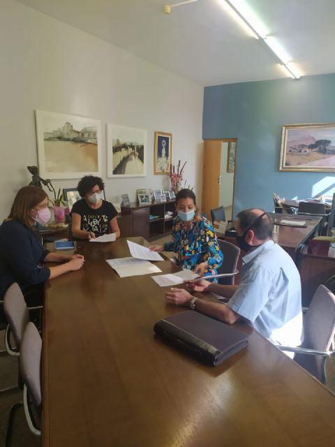 Ayuntamiento y Asociación Acción Familiar suscriben un convenio para impartir charlas de formación online para madres y padres de Puerto Lumbreras - 1, Foto 1