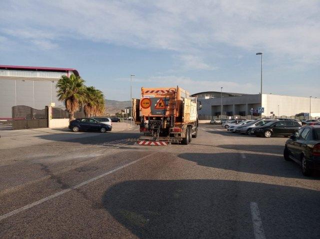 La Brigada de Conservaci�n de Carreteras del Estado acomete trabajos de desinfecci�n en la residencia, el pol�gono industrial y El Paret�n, Foto 4