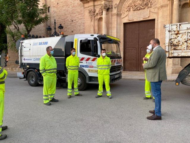 La Brigada de Conservaci�n de Carreteras del Estado acomete trabajos de desinfecci�n en la residencia, el pol�gono industrial y El Paret�n, Foto 5