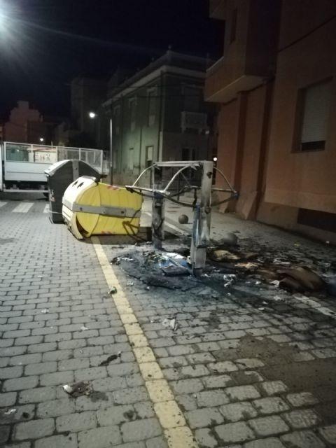 Puerto Lumbreras sufre actos vandálicos en mobiliario urbano, parques y jardines en la noche de Halloween - 2, Foto 2