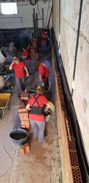 Un programa integrado por desempleados está reformando el antiguo Lavadero municipal para convertirlo en un Centro de interpretación de la Sima de la Higuera - 2, Foto 2