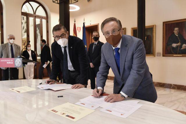 Grupo Fuertes y la Universidad de Murcia renuevan la Cátedra de Excelencia Empresarial - 1, Foto 1