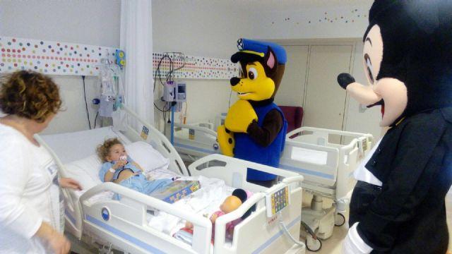 La PB Totana, en colaboración con AELIP y D´Genes, desarrolla el proyecto Ilusión solidaria en el hospital Virgen de la Arrixaca de Murcia, Foto 5