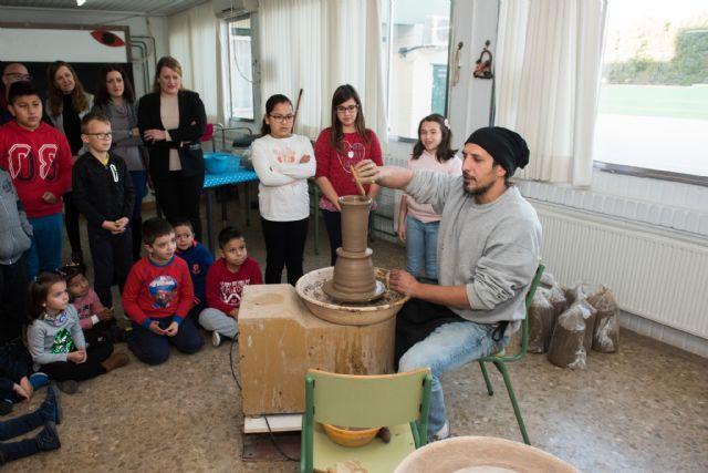75 niños asisten a las Escuelas de Navidad de Mazarrón y Puerto, Foto 1