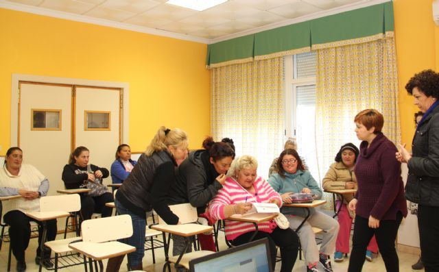 Puerto Lumbreras desarrolla un proyecto de atención integral con la comunidad gitana - 1, Foto 1
