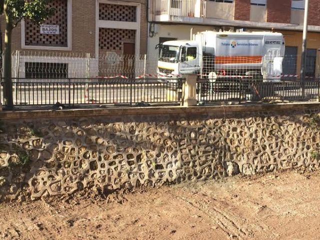 Finalizan las obras de acondicionamiento en uno de los muros de la rambla de La Santa para evitar filtraciones al cauce, Foto 1