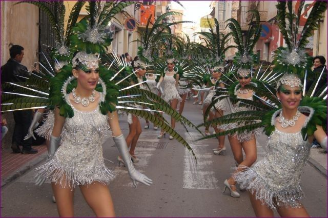 The Carnival parade of foreign rocks of February 13 with the participation of 17 local clubs and outside Totana 9