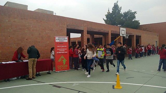 El Colegio Reina Sofía participó en la carrera solidaria a beneficio de la Asociación Refugio del Viento, Foto 4
