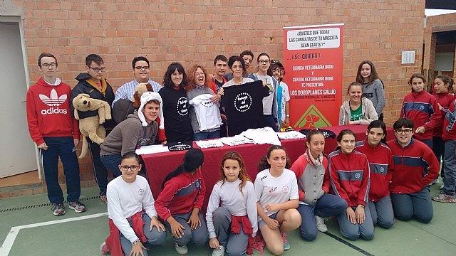 El Colegio Reina Sofía participó en la carrera solidaria a beneficio de la Asociación Refugio del Viento, Foto 5