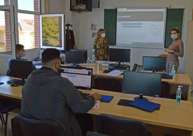 La Concejalía de Juventud organiza sesiones informativas sobre empleabilidad para los usuarios de Garantía Juvenil - 1, Foto 1