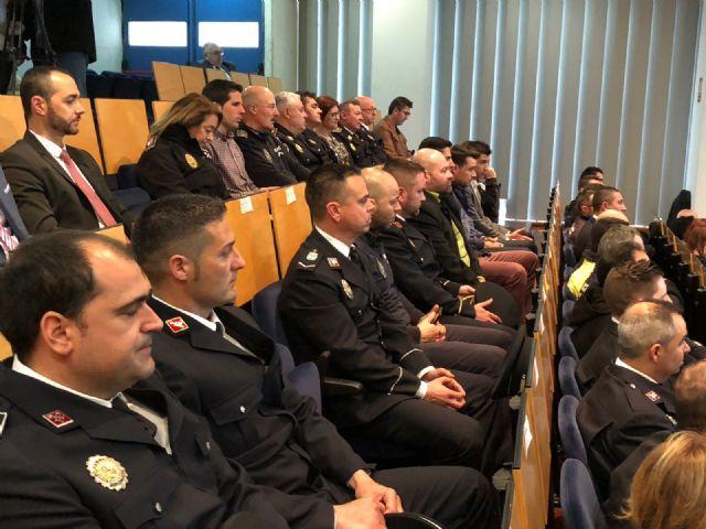 Agentes de la Policía Local de Totana participan en un programa pionero recibiendo formación para prevenir y resolver conflictos, Foto 6