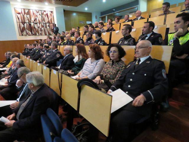 Agentes de la Policía Local de Totana participan en un programa pionero recibiendo formación para prevenir y resolver conflictos, Foto 8