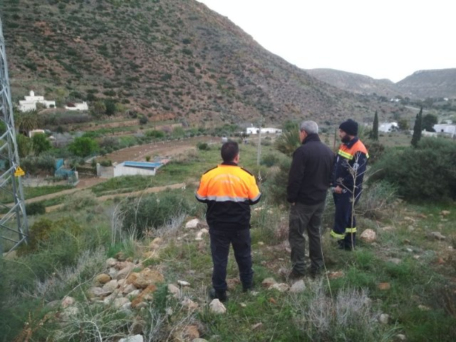 Volunteers of Civil Protection in Totana collaborate in the search of the eight-year-old boy who disappeared since last Tuesday in Níjar (Almería)