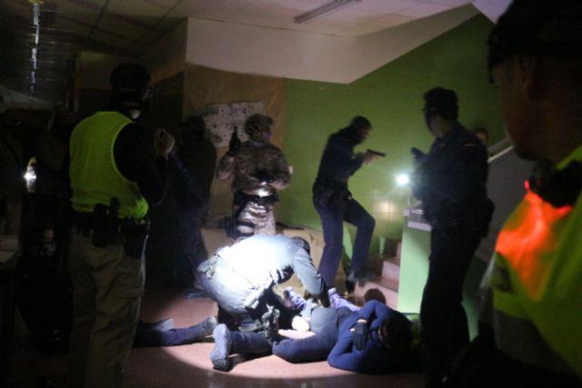 13 agentes de Policía Local de Alhama participan en un curso práctico de seguridad ciudadana, Foto 4