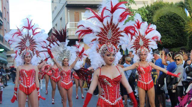Las calles de Lorquí se llenan de música y color en su desfile de Carnaval - 1, Foto 1