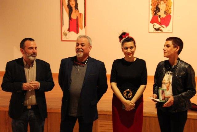 Gran lleno en la inauguración de la exposición Femme Fatale Redux - 1, Foto 1