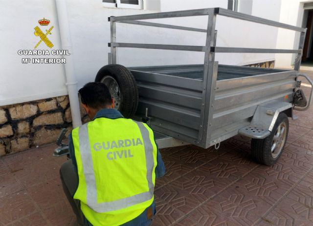 La Guardia Civil detiene a dos personas dedicadas a sustraer objetos en fincas y granjas de Lorca, Foto 6