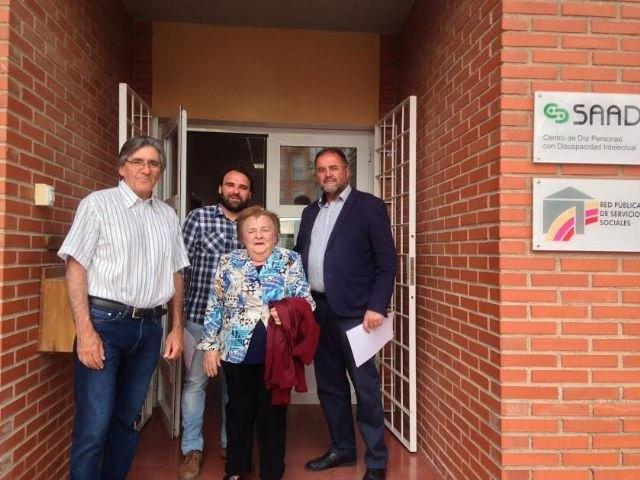 """Autoridades municipales se reúnen con los familiares de los usuarios del Centro de Día """"José Moyá Trilla"""", Foto 3"""
